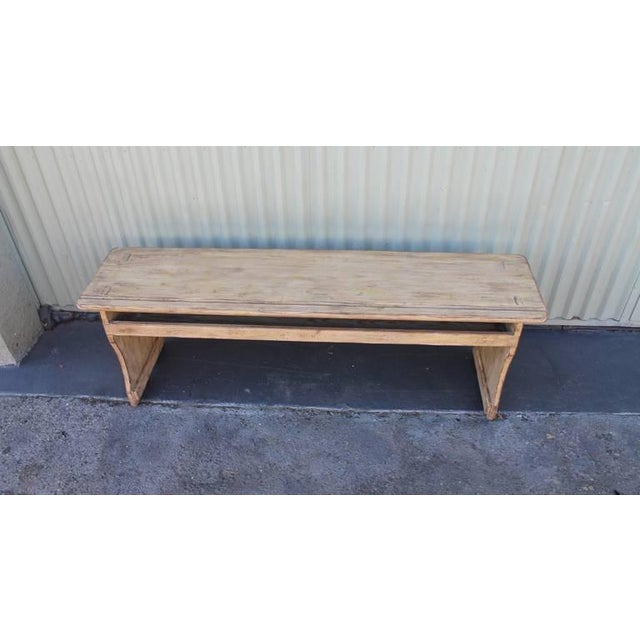 19th Century Cream Painted Bucket or Farm Bench from Pennsylvania For Sale - Image 4 of 9