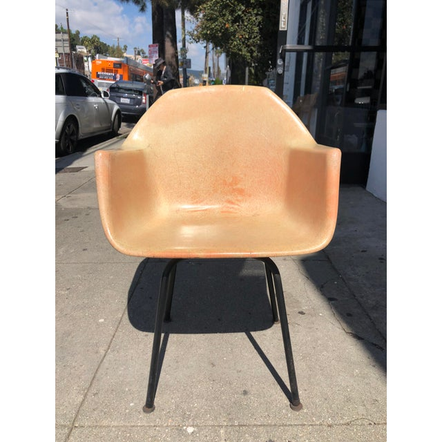 1960s Vintage Molded Fiberglass Eames Herman Miller Style Armchair For Sale - Image 13 of 13