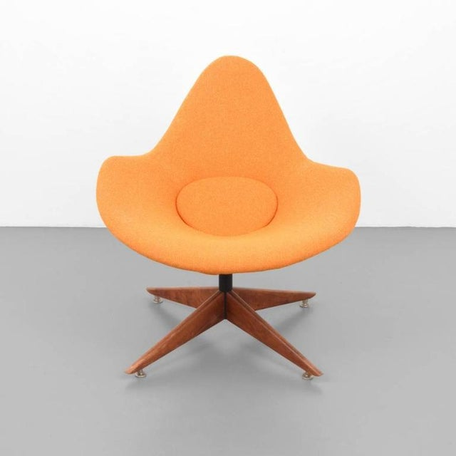 Swivel lounge chair in the manner of Pierre Paulin.