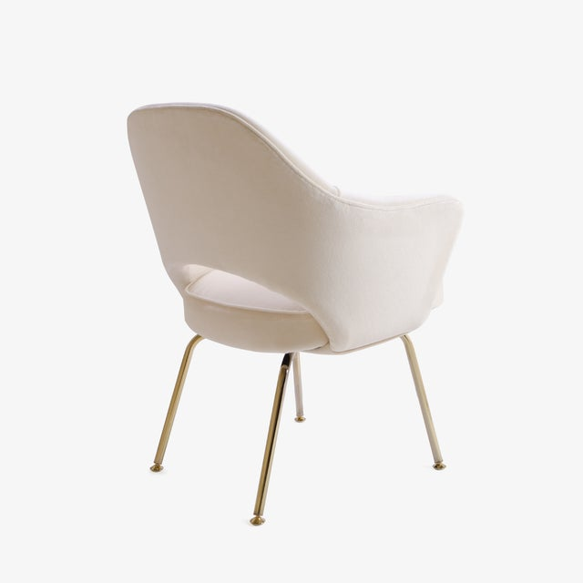 Saarinen Executive Arm Chairs in Crème Velvet, 24k Gold Edition - Set of 6 For Sale - Image 5 of 11