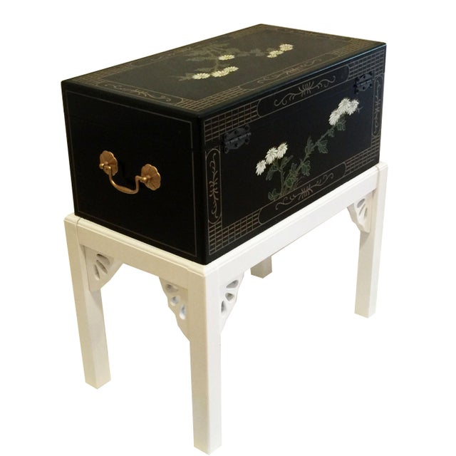 1970s Chinoiserie Lacquered Chest For Sale - Image 4 of 11