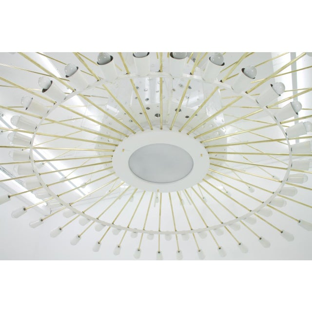 1950s Spectacular Giant Sputnik Ceiling Lamp With 132 Bulbs in Brass, Lucite & Metal, 1950s For Sale - Image 5 of 13