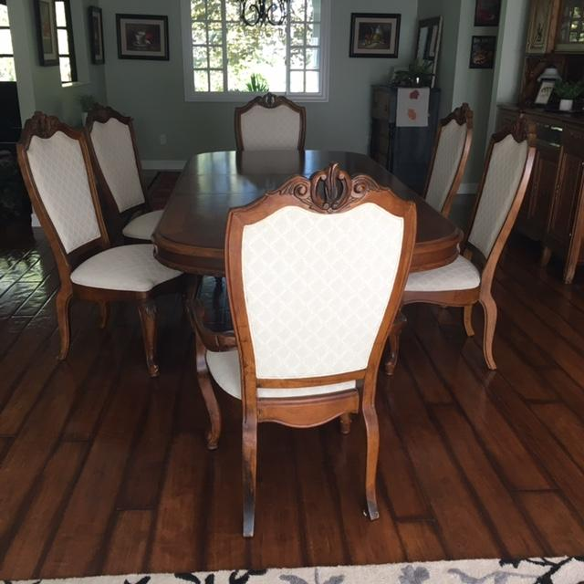 American Drew Co Double Pedestal Table & Chairs Dining Set - Set of 7 For Sale - Image 4 of 6