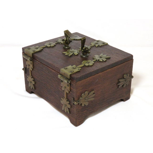 Early 20th Century Antique Arts & Crafts Oak and Bronze Box For Sale - Image 11 of 13