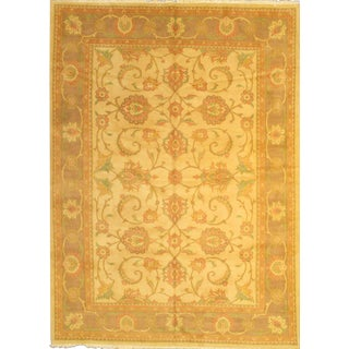 "Original Persian Sultanabad Hand-Knotted Lamb's Wool Rug - 8'5""x11'9"" For Sale"
