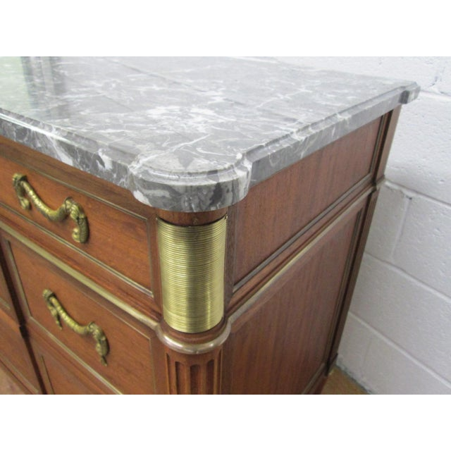 1920s Pair of French Louis XIV Style Marble Top Dressers Commodes For Sale - Image 5 of 9