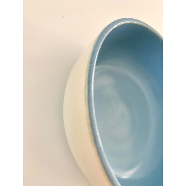 1940s 1940s Vintage Catalina Pottery Sky Blue and White Bowl For Sale - Image 5 of 7