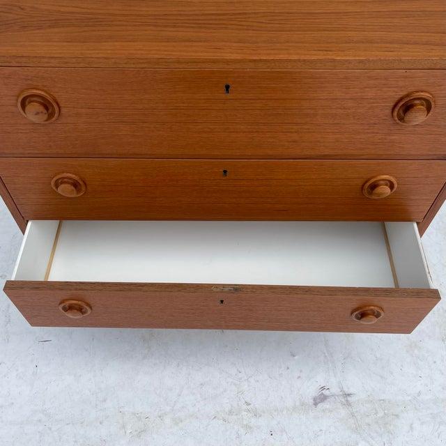 Vintage Modern Teak Commode or Dresser For Sale In New York - Image 6 of 13