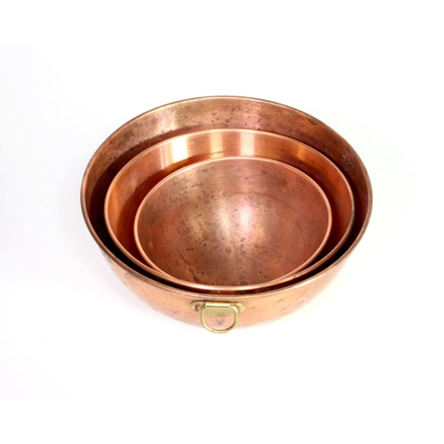 1970s French Copper Nesting Bowls With Brass Hanging Handles - Set of 3 For Sale In Los Angeles - Image 6 of 7