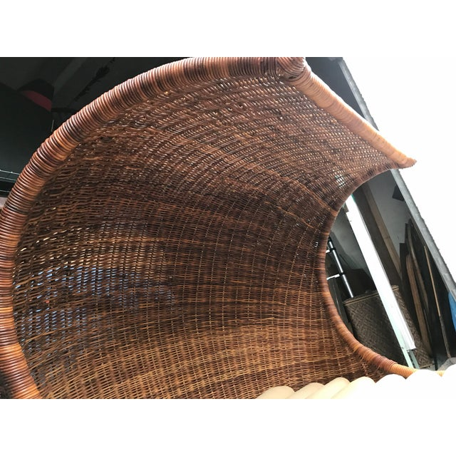 "Brown Italian Midcentury ""Wave"" Rattan Lounge For Sale - Image 8 of 12"