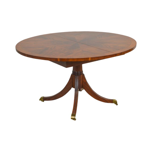 Hekman Flame Mahogany Yew Wood Banded Single Pedestal Dining Table For Sale