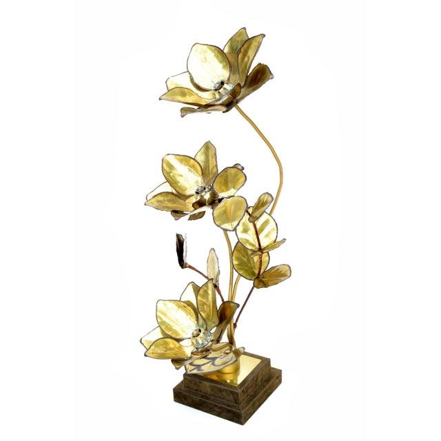 Mid-Century Modern Maison Jansen French Mid-Century Modern 3 Light Cut Brass Flower Table Lamp For Sale - Image 3 of 13