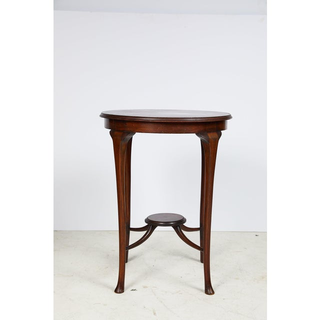 English Art Nouveau Round Tea Table of Mahogany For Sale - Image 4 of 13