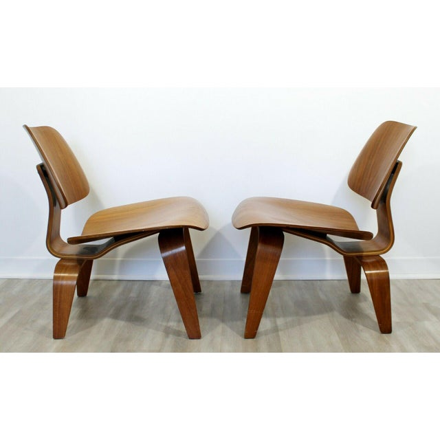 Charles Eames Mid Century Modern Pair Early Rare Charles Eames Lcw Lounge Side Chairs 50s For Sale - Image 4 of 9