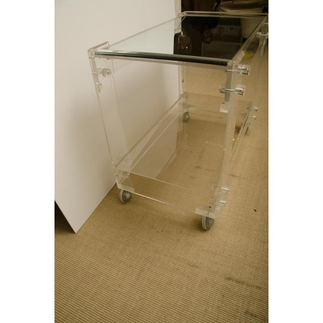 Vintage Lucite Bar Cart For Sale In New York - Image 6 of 8