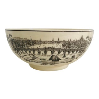20th Century English Traditional Wedgwood Collection Society Bowl For Sale