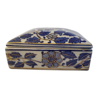 Vintage Chinoiserie Porcelain Trinket Box For Sale