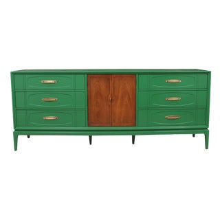 Mid Century Thomasville Kelly Green Dresser For Sale
