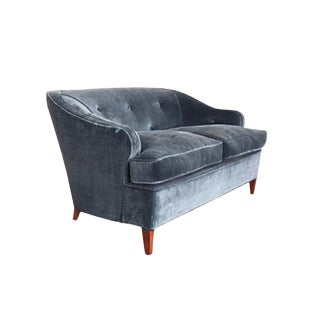 1930s Tufted Art Deco Settee Reupholstered in Brushed Velvet For Sale