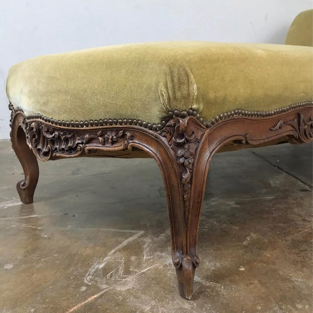 19th Century French Louis XV Chaise Longue For Sale - Image 9 of 13