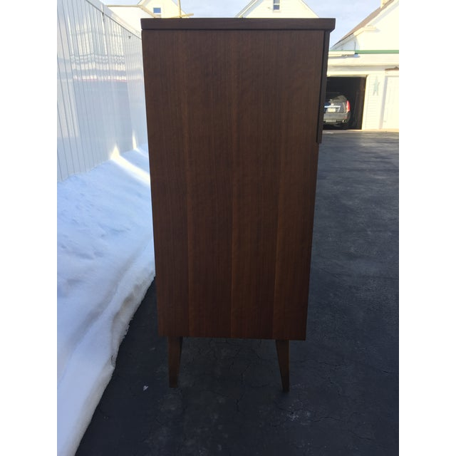 Wood Bassett Mid-Century Chest of Drawers For Sale - Image 7 of 9