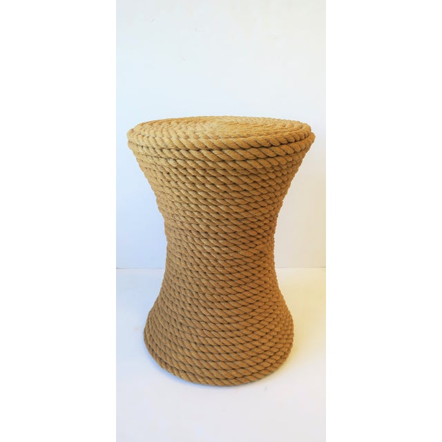 Nautical Rope Round Side or End Table For Sale In New York - Image 6 of 10