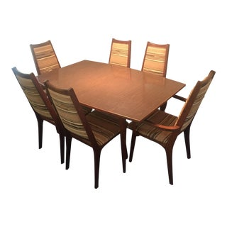Mid-Century Modern Walnut Dining Set With 2 Leaves For Sale