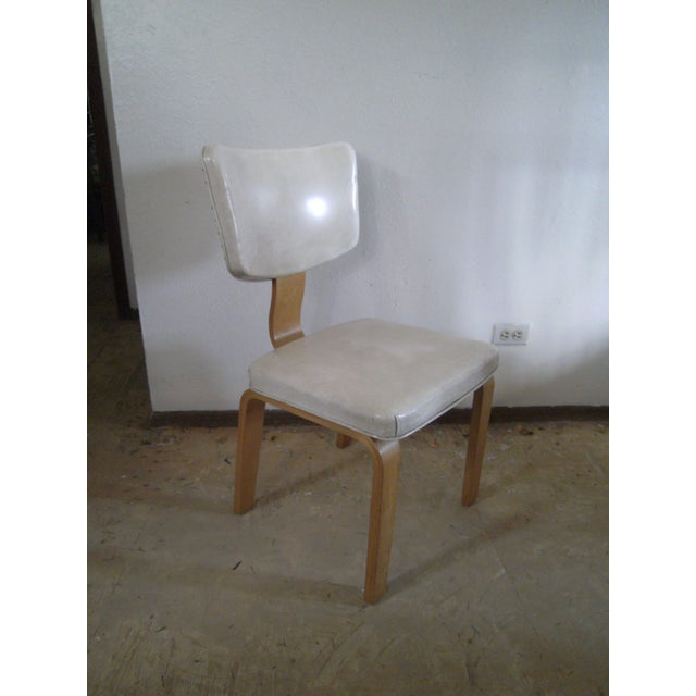 Mid-Century Modern Vintage Ivory Vinyl and Birch Bentwood Chair For Sale - Image 3 of 11