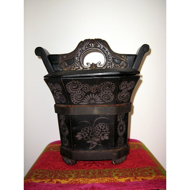 Qing Dynasty Chinese Teapot Box For Sale - Image 4 of 10