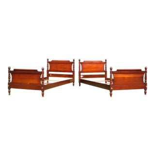 Antique Pair Federal Style Solid Mahogany Pineapple Single Twin Sleigh Beds For Sale