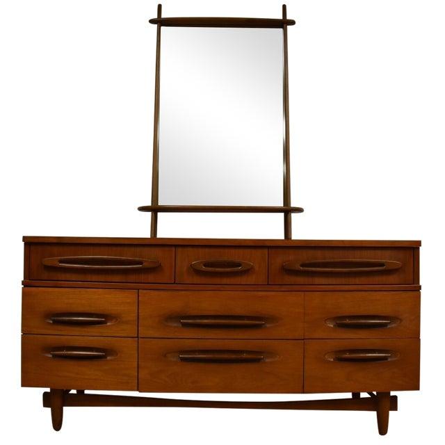 Ward Furniture Walnut Dresser & Mirror - Image 1 of 10