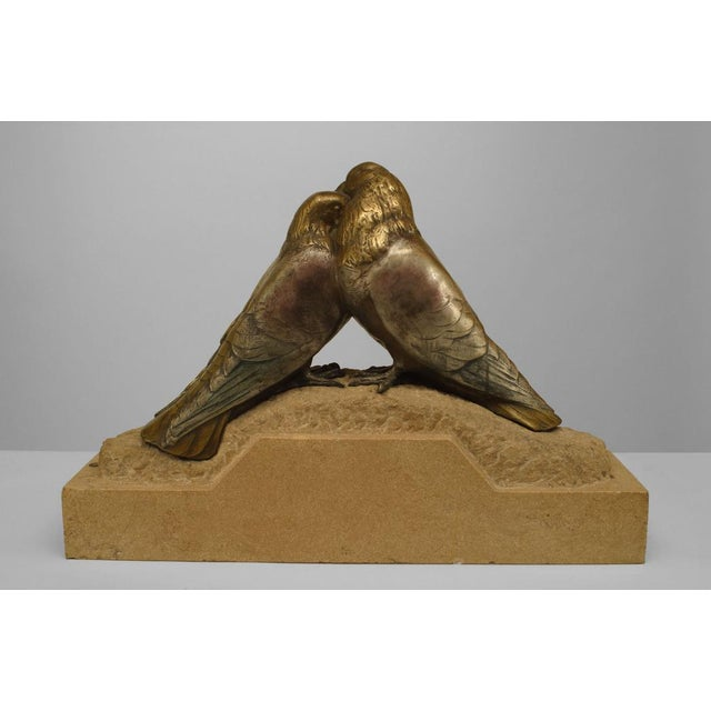 Metal Art Deco Bronze Figure Of Two Pigeons Necking On Beige Marble Base For Sale - Image 7 of 7