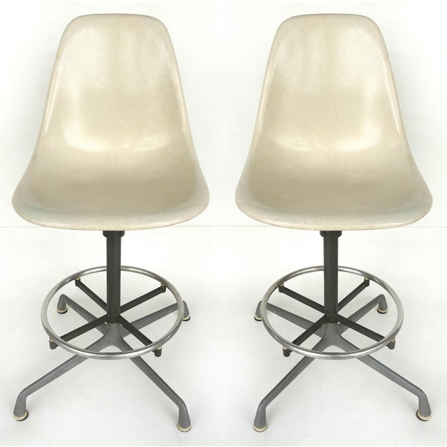 Charles Eames for Herman Miller Bar/Counter Stools in Molded Fiberglass C.1960s - a Pair For Sale - Image 13 of 13
