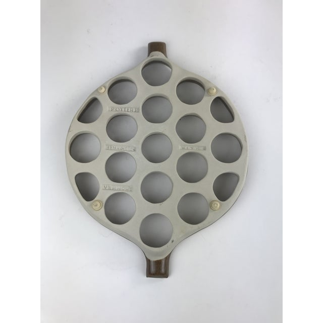 1970s Handmade Studio Pottery Hot Plate Trivet For Sale In Los Angeles - Image 6 of 8