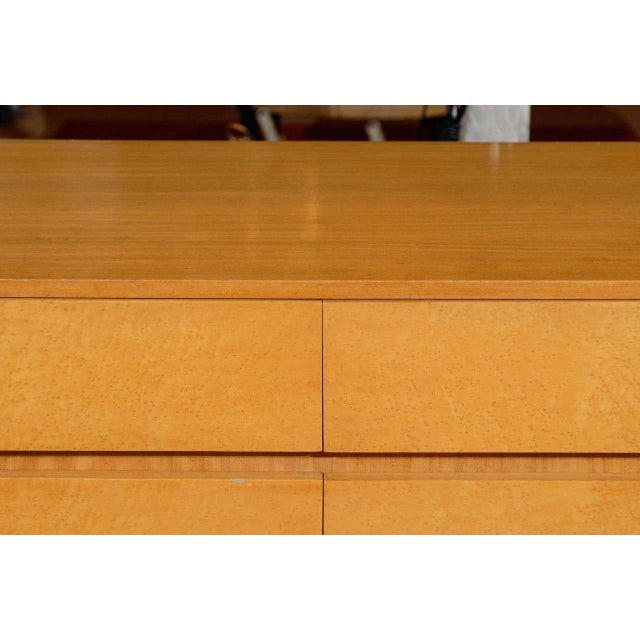 Mid-Century Modern Gorgeous Rway Six-Drawer Chest in Blonde Mahogany and Bird's-Eye Maple For Sale - Image 3 of 11