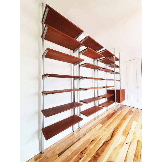 Mid-Century Modern A Mid Century Modern Wall Unit Bookshelves System For Sale - Image 3 of 11