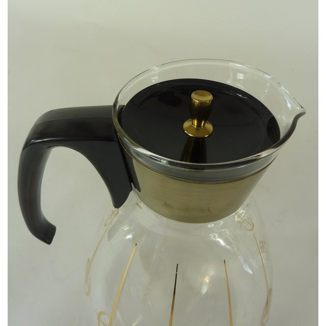 Vintage 1960's Pyrex Glass Gold Atomic Starburst Large Glass Coffee Carafe For Sale - Image 9 of 13