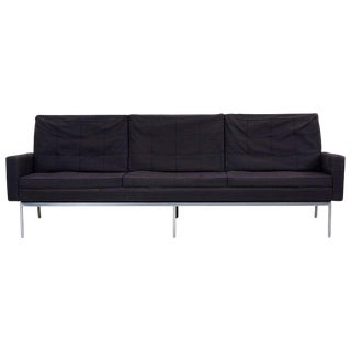 Sofa Model 67a by Florence Knoll for Knoll International in Original Condition For Sale