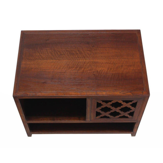 Mid-Century Modern Baker Walnut End Table Stand Accent Side Table. For Sale - Image 3 of 7