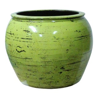 Chinese Ceramic Distressed Light Lime Green Round Planter Pot For Sale