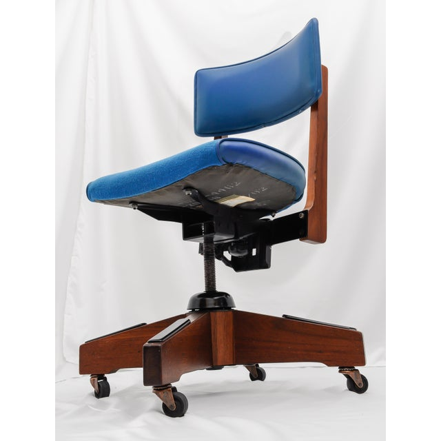 Mid-Century Gunlocke Office Chair For Sale - Image 7 of 11