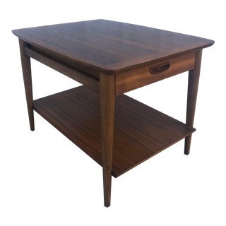 Mid Century Modern End Table by Lane Furniture For Sale