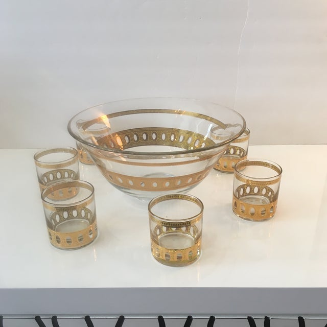 Transparent Mid-Century Modern Culver Ltd Glass Ice Bucket/ Punch Bowl With Matching Glasses For Sale - Image 8 of 11