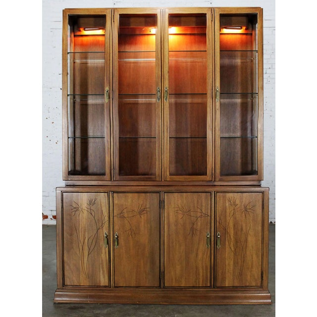 Mid-Century Modern Davis Cabinet Company Lighted Display Cabinet For Sale - Image 3 of 11