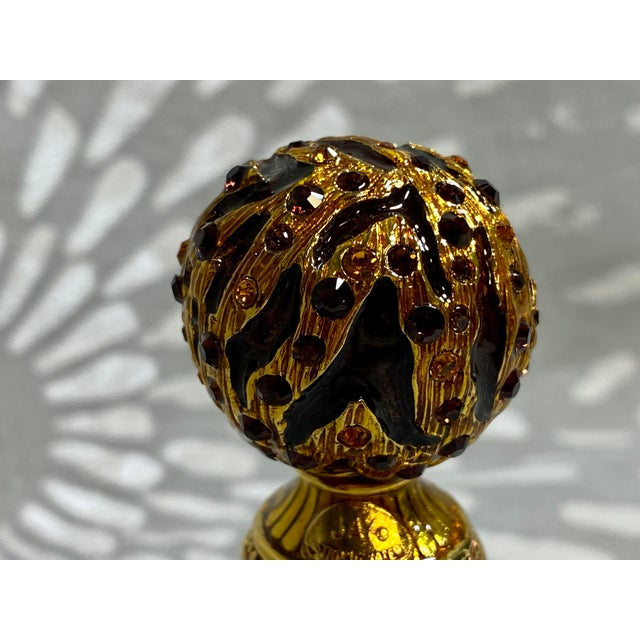 2000 - 2009 Jay Strongwater Enamel & Rhinestone Bottle Stopper & Stand For Sale - Image 5 of 10