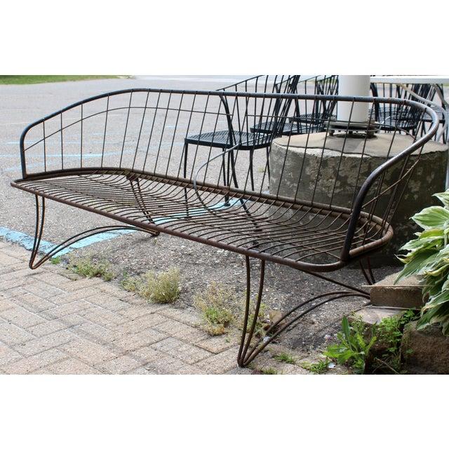 Woodard Furniture Co. Mid Century Modern Curved Iron Patio Bench Settee Woodard Era 1960s For Sale - Image 4 of 7