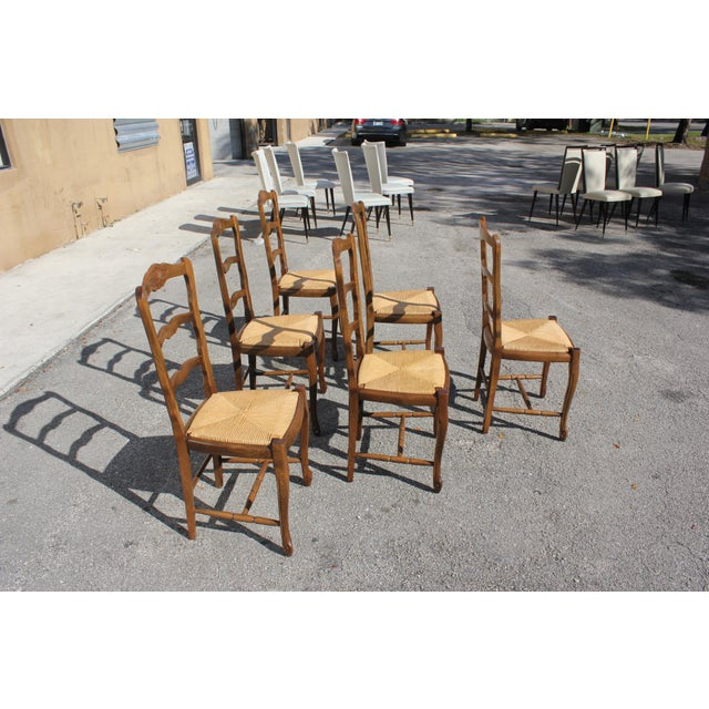 1910s Vintage French Country Rush Seat Solid Walnut Dining Chairs - Set of 6 For Sale In Miami - Image 6 of 13