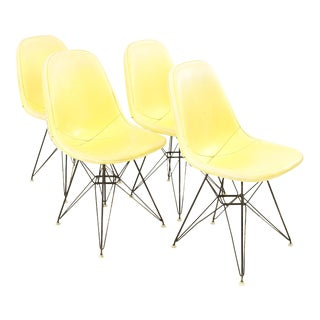 Early Charles and Ray Eames for Herman Miller Eiffel Base Wire Chairs With Yellow Pads - Set of 4 For Sale