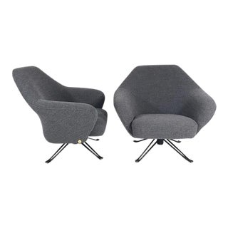 Pair of Original P32 Tecno Lounge Chairs