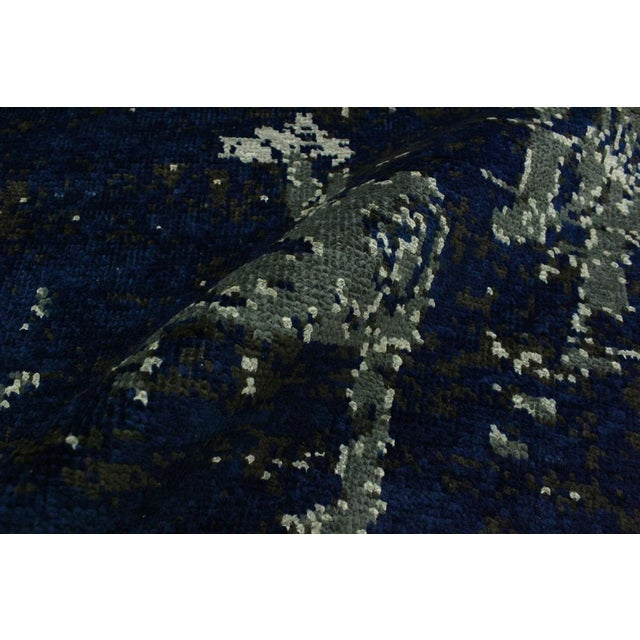 Abstract Modern Terisa Blue/Ivory Wool&Silk Rug - 4'2 X 6'5 For Sale In New York - Image 6 of 8